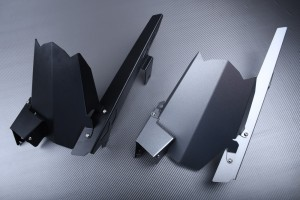 Guardafango trasero con Cubre Cadena de aluminio KAWASAKI
